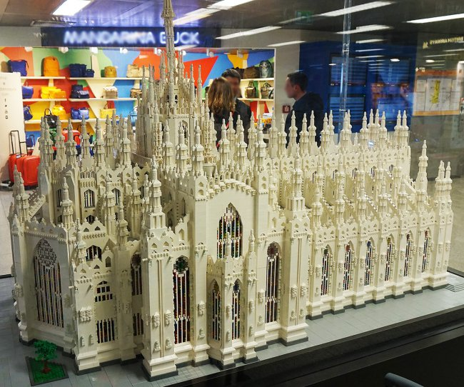 Cathedrale-miniature-lego-milan.jpg