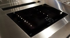 plan-en-inox-sur-mesure-kitchenaid-table-induction-a-fleur.jpg