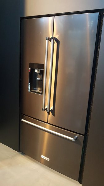 refrigerateur-kitchenaid-noir-blacksteel.jpg