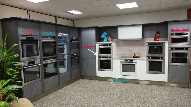 showroom2016-1-siemens-electrolux-aeg--smeg-kitchenaid.jpg